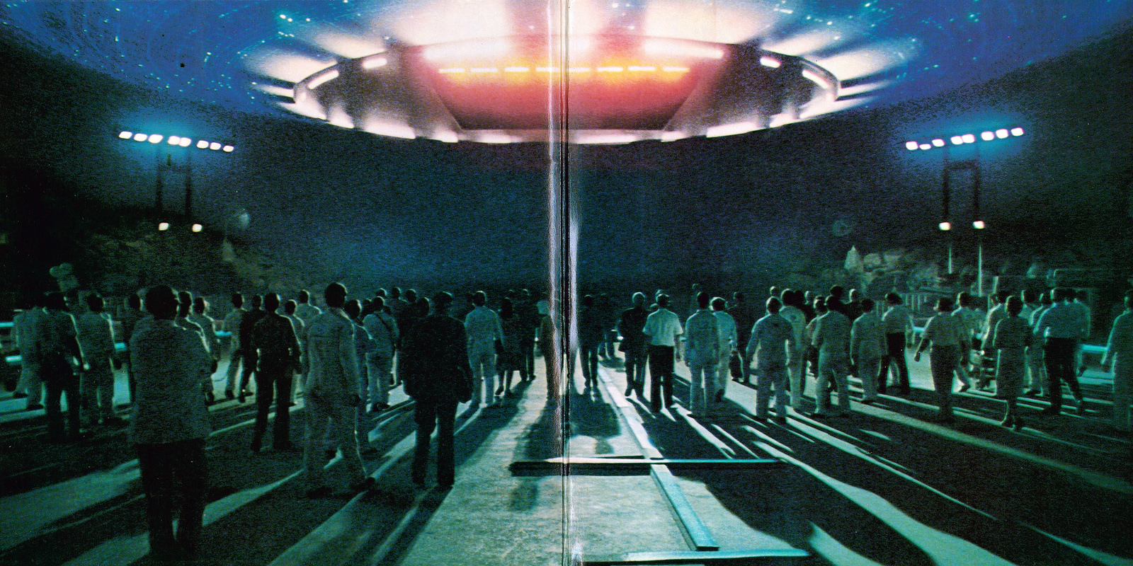 Close Encounters of the Third Kind back cover