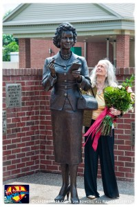 CW-Noel-Neill-statue-unveiling-01