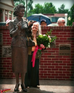 CW-Noel-Neill-statue-unveiling-15