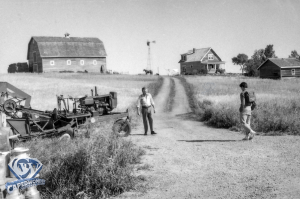CW-STM-Kent-farm-Pa-greets-Clark-02