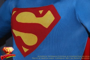 CW-Superman-Costume-2-2012-02