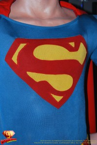 CW-Superman-Costume-2-2012-04