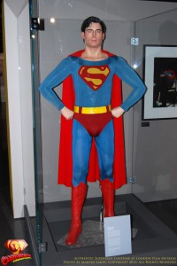 CW-Superman-Costume-2-2012-05