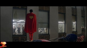 CapedWonder-SupermanII-RDC-Blu-ray-screenshot-560