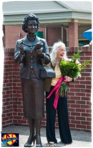CW-Noel-Neill-statue-unveiling-05