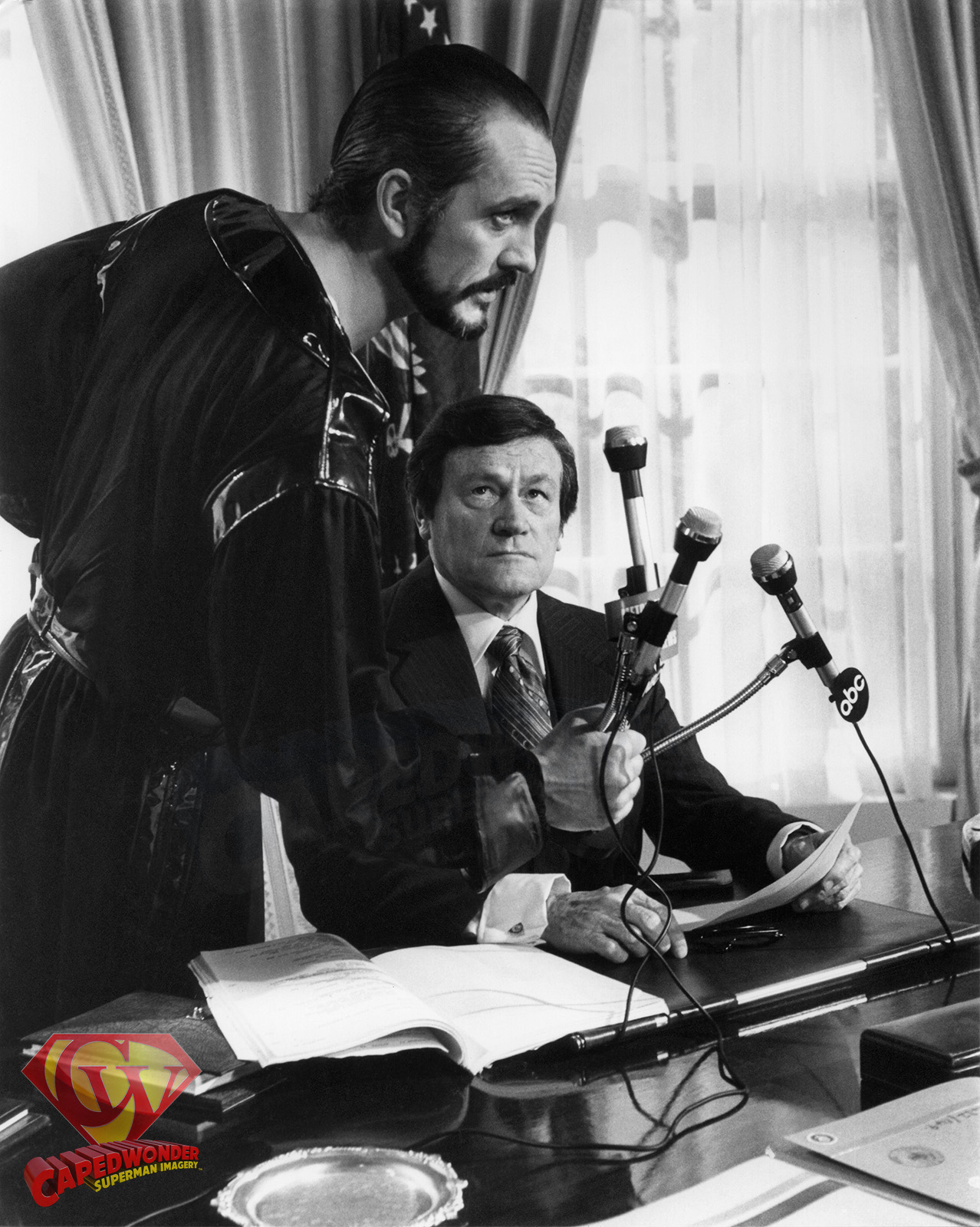 CW-RDC-White-House-oval-office-Zod-President