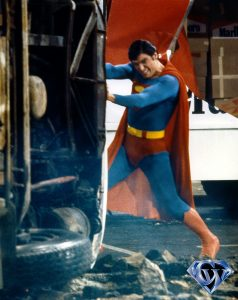 CW-SII-Superman-stopping-bus