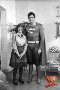 Noel Neill visits the Lois Lane apartment set.