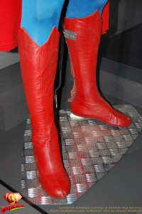 CW-Superman-Costume-2-2012-09