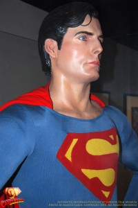 CW-Superman-Costume-2-2012-10