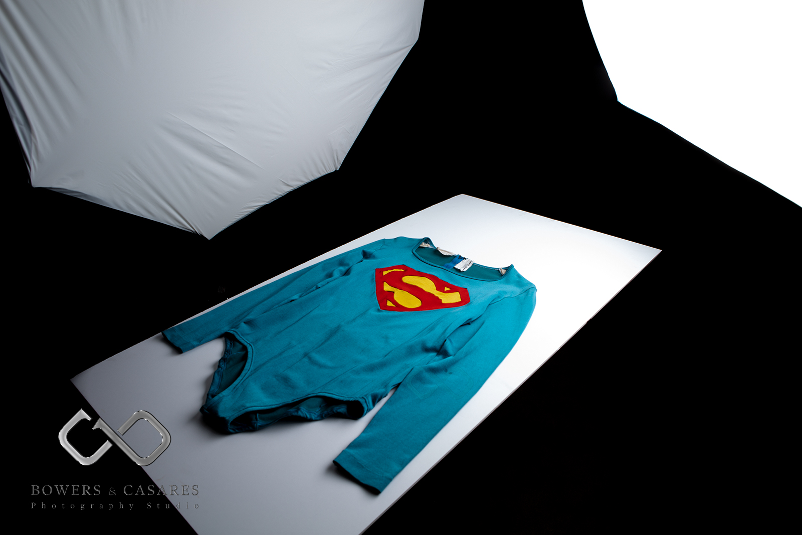 CW-Superman-flying-tunic-table-BTS.png